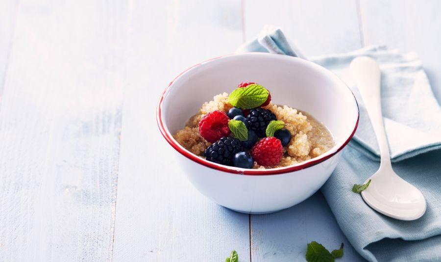 Quinoa Porrdige mit Beeren - Quinoa Porridge mit Beeren