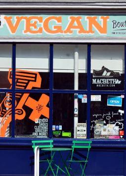 vegan-cafe_(c)George-Rex - © George-Rex